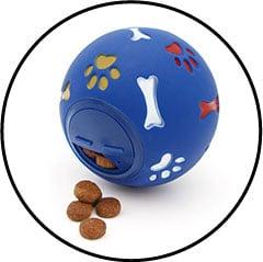 Balle distributrice de croquettes pour chat et chien